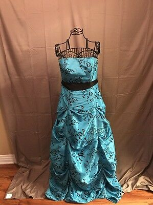 Morgan& CO Ball Gown Size 13/14