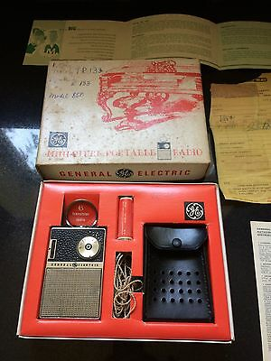 General Electric Transistor Radio 1963 W All Papers Box Mod 850