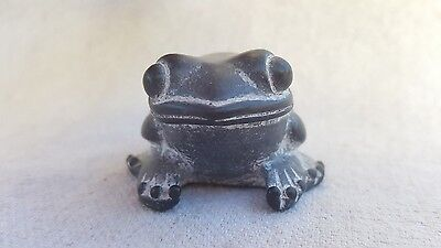 Vintage Inuit Frog Toad Animal Figurine Stonecraft Pearlite Canada Black White