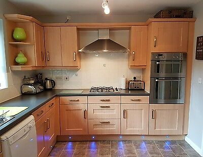 Shaker wood effect kitchen and appliances