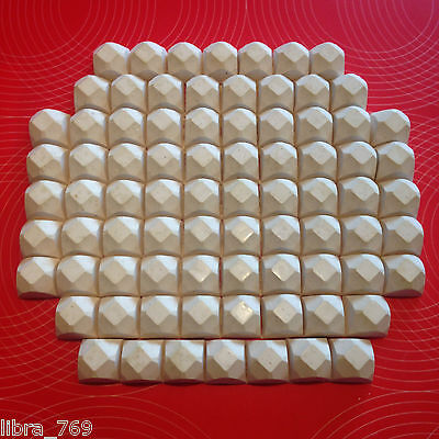 15 to 25 x Calcium and Food Blocks for Aquatic Snail, Shrimp and Fish