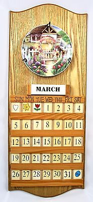 Perpetual Wooden Calendar Hanging 4 Interchangeable Plates Date Day Month Tiles