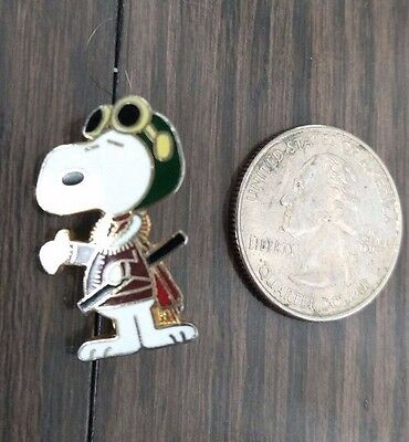 Vintage Peanuts Snoopy Pin Gold and Enamel