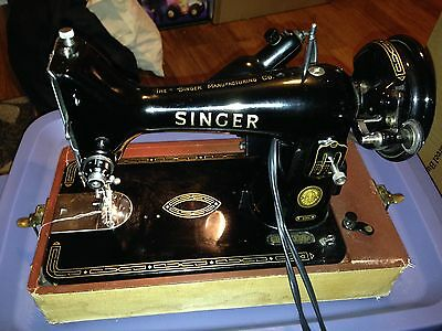 Vintage Singer 99K Sewing Machine With Foot Pedal and Hard Case