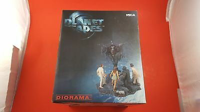 Planet of the Apes NECA Diorama- Deluxe 10'' Figurine Limited Edition of 5000