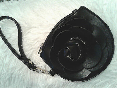 Flower Wristlet/Coin Purse Vintage-Black