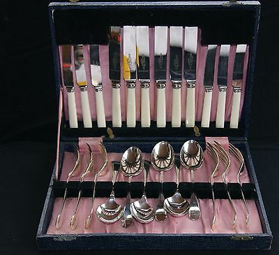 vintage Silver Plated Canteen of Cutlery 24 piece 6 Servings