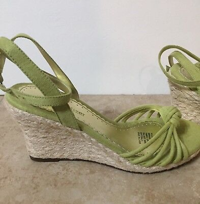 Naturalizer Shoes Wedge Heels Women's Sz 6 Sage Green Suede Open Toe Ankle Strap