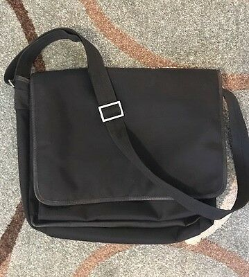 Simple black messenger bag - EXPRESS
