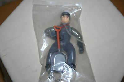 G Scale Figure Worker Fireman W/shovel Painted Plastic Model Rr Train