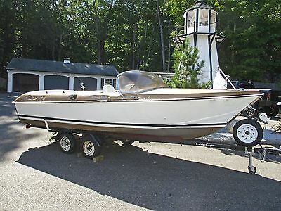 1964 19ft Chris Craft Cavalier Golden Arrow  **RARE**  wooden runabout