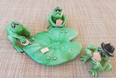Vintage 1976 ENESCO Frogs Playing Poker On Lily Pad