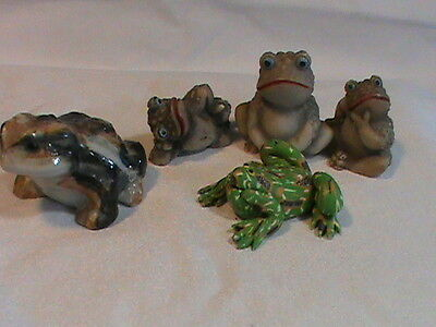 Cute lot of little Frog figurines