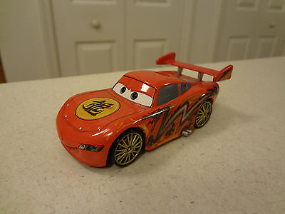Disney Pixar Cars DRAGON LIGHTNING MCQUEEN Diecast Vehicle 1:43 Scale