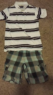 boys size 6/7 2pc set Cargo shorts with rugby top