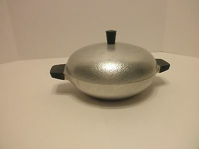 Vintage Hammered Club Aluminum Table Service Covered 1 1/2 Quart Dish
