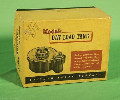 KODAK DAY LOAD Developing Tank 35 mm.  Extremelly Rare in Original Box, AS NEW!