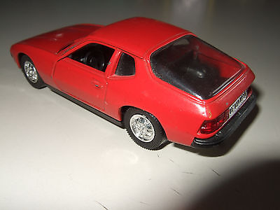 "alter SCHUCO  "" Porsche 924 "" rot   1/43  Made in USSR"