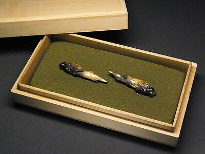 "Fine MENUKI 18-19th C Japanese Edo Antique Koshirae fitting ""Riverside"" d875"