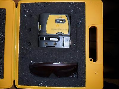 RoboVector Laser Level - 5 Way Laser Leveling Device - Free Shipping