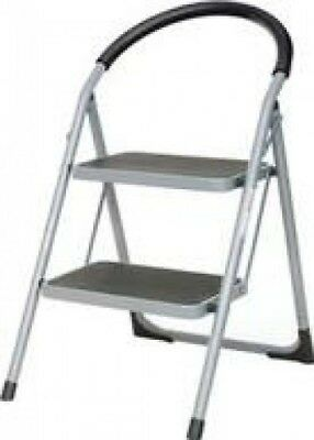 Aluminium Step Ladder with 2 Slip Resistant Treads | White