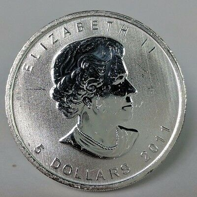 2011 1 Troy oz .9999 Fine Silver Bullion Canadian Maple Leaf $5 circulated