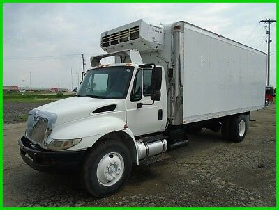 2002 International 4300 SBA 20' Refrigerated Box Used