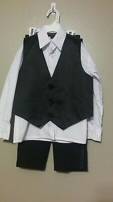 Vangogh Boys Black Tuxedo Style 3 Piece Suit, Pants, Shirt and Vest Size 4T