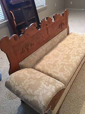 Vintage Fainting Couch/Day Bed