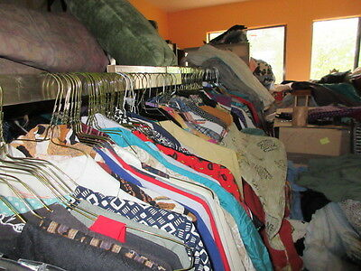 USED NEW CLOTHING LOT 1000s SWEATERS PANTS TOPS DRESSES COATS $2550 WOMEN MEN