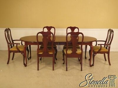L41993E: Colonial Cherry Queen Anne Dining Room Table & Chairs Set