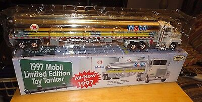 1997 Mobil Oil Gas Limited Edition Toy Tanker 1:43 Scale - Mint Condition In Box