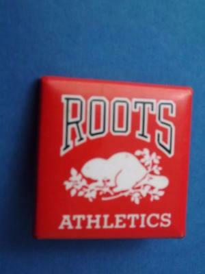 Roots Athletics Clothing Canada Beaver Vintage Button Pin Back Collector Red