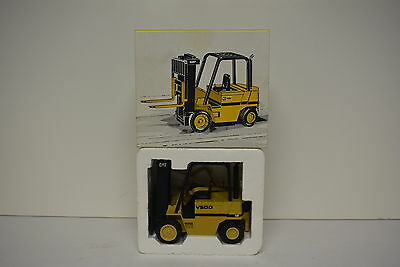 CATERPILLAR CAT V50D Fork Lift Truck NZG 1/25 Collectable