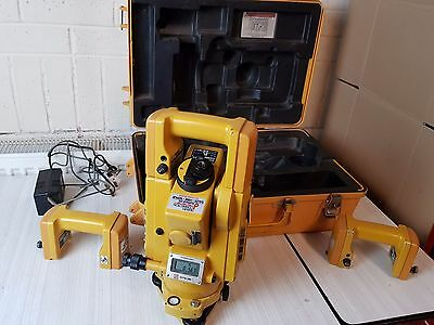Topcon GTS 3b Total Station with Case , Charger and 3 batteries