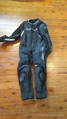 1 One Tonne Genuine Leather 1 Piece Black Motorbike Race Suit - Size 58 - Kevlar