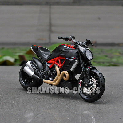 Maisto Diecast Model Toy 1:18 Ducati Diavel Carbon Sport Bike Motorcycle Replica