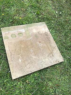 450mmx450mm Cream Garden Slabs (used but in excellent condition)