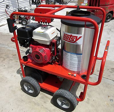 Demo Hotsy 1075sse Gas Engine Hot Water Pressure Washer (SN:165015) 1.110-012.0