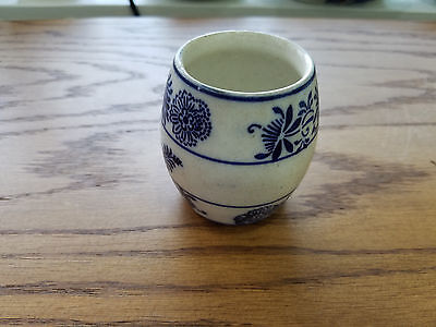 Small Hand Painted Blue and White Pottery Barrell Cup