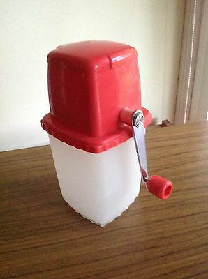 RETRO COLLECTABLE ICE CRUSHER RED PLASTIC METAL  VINTAGE BAR WARE 1970's Vgc