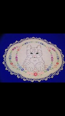 1 Vintage Flowery Cute Cat Design Larger Embroidered Doilies / Doily