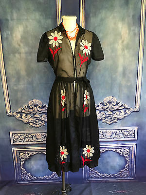 Vintage 1950's Sheer Daisy Embroidered Classic Day Dress XXS Shirt Button Down