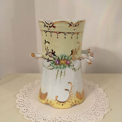 Lovely Victorian Style Vase   English Country Collection  (Fulham)