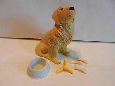 "Golden Retriever ""Best In Show"" Figurine with Accessories by Pedigree (9)"
