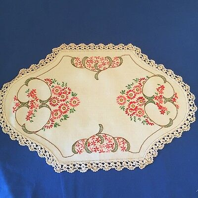 1 Vintage Flowery Design Embroidered Doilies / Doily