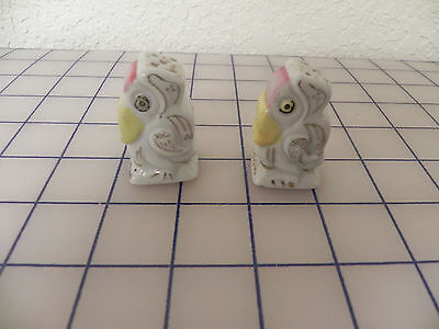 "Vintage Miniature Bird Salt and Pepper Shakers with Gold Trim Japan, 1 3/4"" tall"