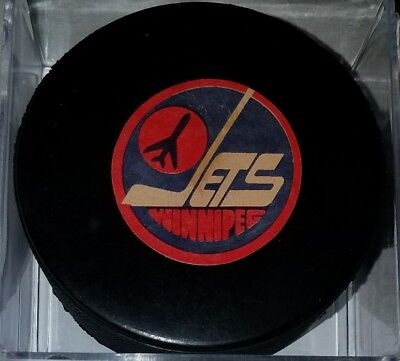1982-83 WINNIPEG JETS OLD Rubber Crested VICEROY Official NHL Game Puck Canada
