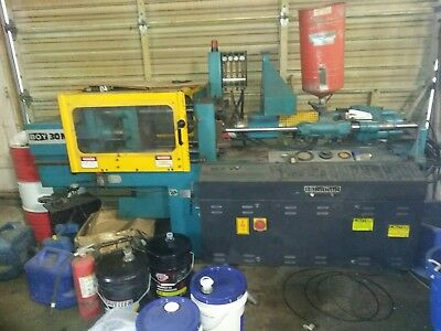 1996 boy 30 ton plastic injection molding machine