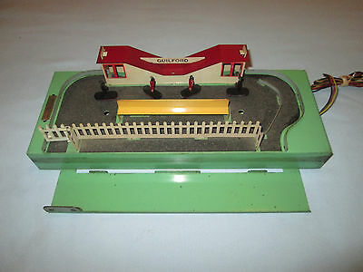 American Flyer #766 Animated Station with 4 Original Figures. Working.